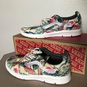 Vans Tropical print tennis shoes